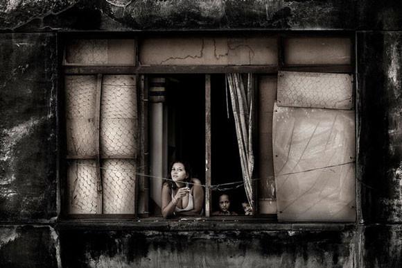 Julio Bittencourt - In a Window of Prestes Maia - zdjęcie 4