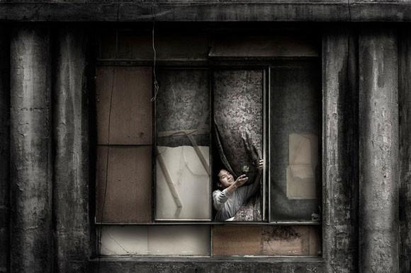 Julio Bittencourt - In a Window of Prestes Maia - zdjęcie 8