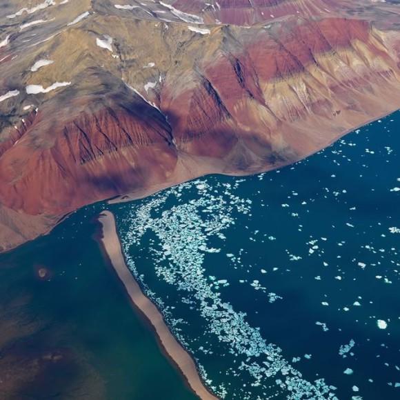 Zdjecia z nieba, kolory ziemi - Bernhard Edmaier, zdjęcie 2