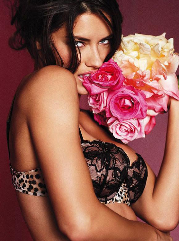 Adriana Lima – Victoria's Secret Lingerie 2010 - 1