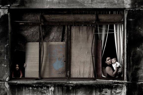 Julio Bittencourt - In a Window of Prestes Maia - zdjęcie 1