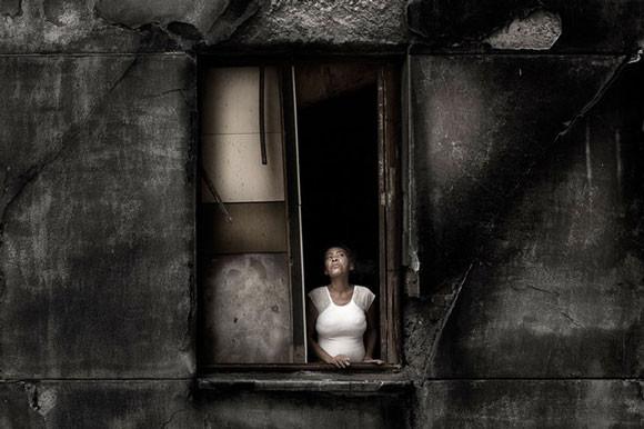 Julio Bittencourt - In a Window of Prestes Maia - zdjęcie 6
